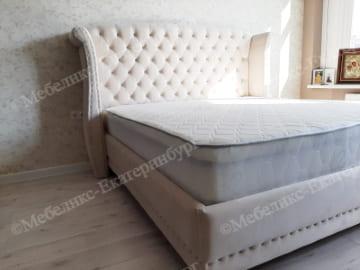кровать после перетяжки пример 3